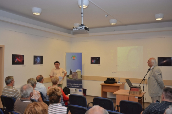 DSC6020_2.jpg, Kocsis Antal, a csillagvizsgáló szakmai vezetője nyitotta meg az előadást.