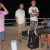 2019-08-10perseid203f1200refl551703.jpg, Balaton Csillagvizsgáló - Hullócsillagok éjszakája, 2019-08.10. (szombat).  Nagy érdeklődés mellett (56 fő), derült égen figyelhették meg látogatóink a Balaton Csillagvizsgáló teraszáról a Perseida meteorraj közelgő maximumának idején a meteorok felvillan